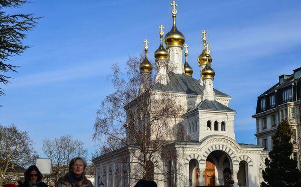 Крестовоздвиженский кафедральный собор Западно-Европейской епархии Русской православной церкви на одной из улиц Женевы