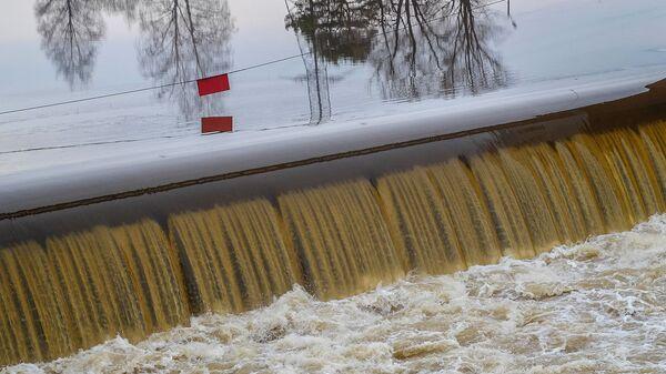 Плотина в Московской области