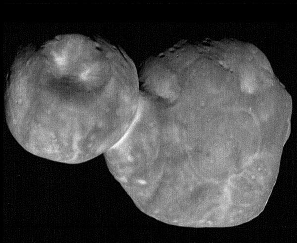 Самая детальная фотография Ультимы Туле, полученная с расстояния в 6,6 тысячи километров