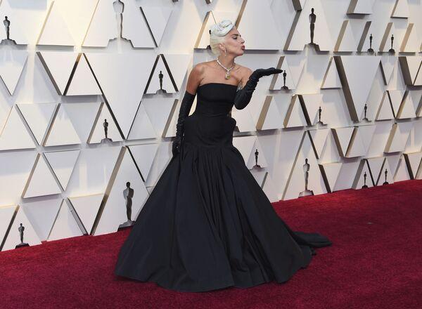 Леди Гага на церемонии вручения премии Оскар