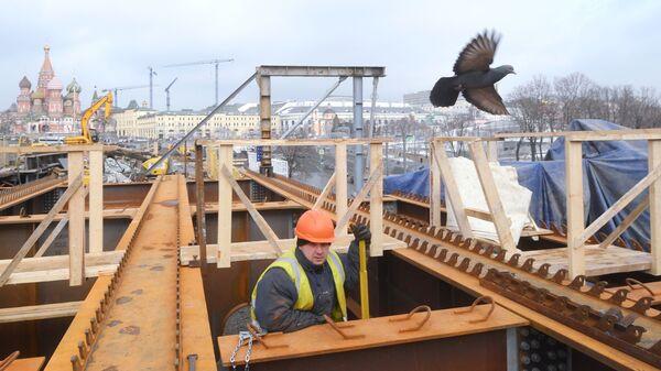 Ремонтные работы на Москворецком мосту