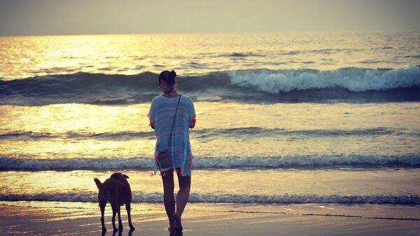 Девушка на пляже. Гоа, Индия