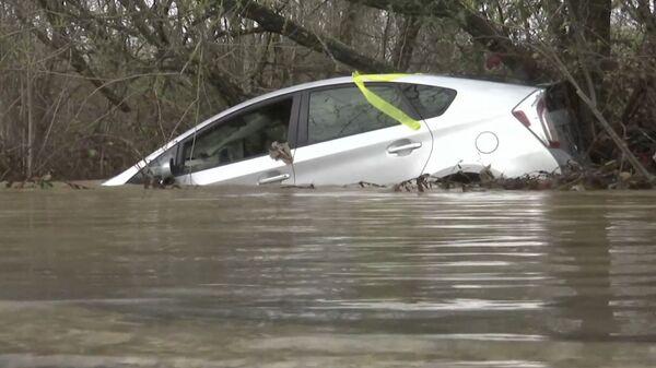 Река Русская затопила несколько городов в США