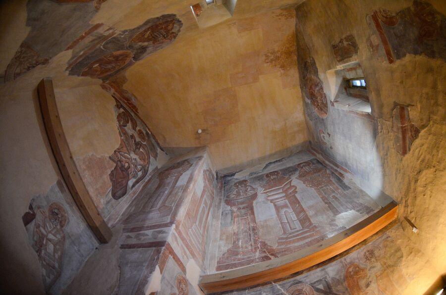 Храм Спаса на Ильине, фрески Феофана Грека, Троицкая камора