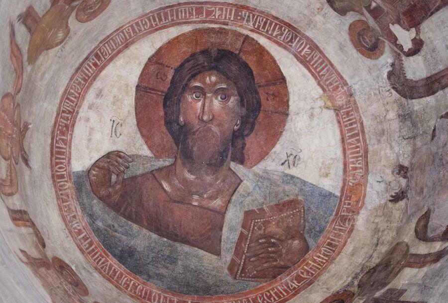 Христос Пантократор – роспись в куполе храма. Фреска Феофана Грека. Оригинал фотографии.