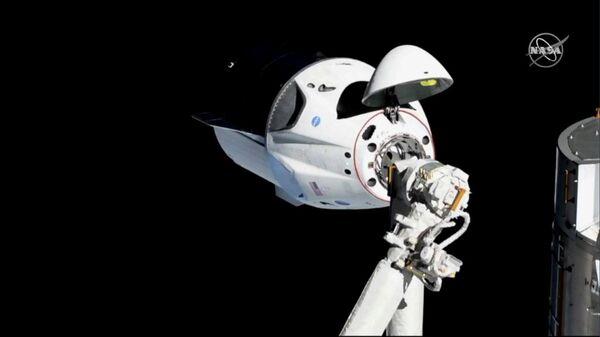 Стыковка космического корабля Dragon-2 (Crew Dragon) с Международной космической станцией. 3 марта 2019