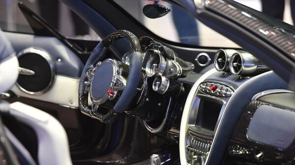 Салон родстера Pagani Huayra на Международном Женевском автосалоне 2019