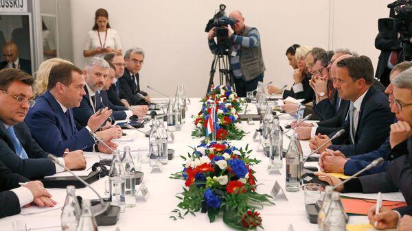 Дмитрий Медведев и премьер-министр Люксембурга Ксавье Беттель во время переговоров в Люксембурге.  6 марта 2019