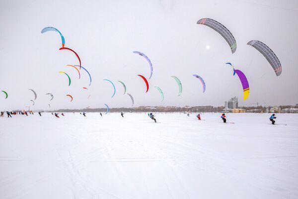 Соревнования по сноукайтингу в Карелии