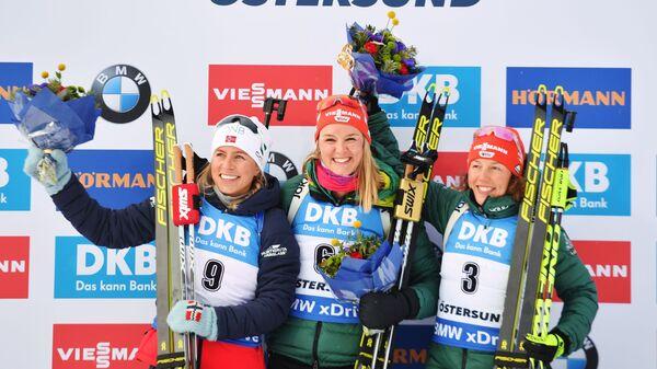 Тириль Экхофф (Норвегия) - серебряная медаль, Дениз Херманн (Германия) - золотая медаль, Лаура Дальмайер (Германия) - бронзовая медаль