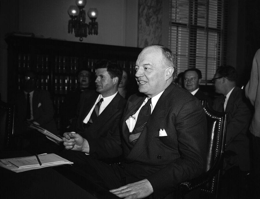 Гарольд Стассен в Вашингтоне, 1953 год
