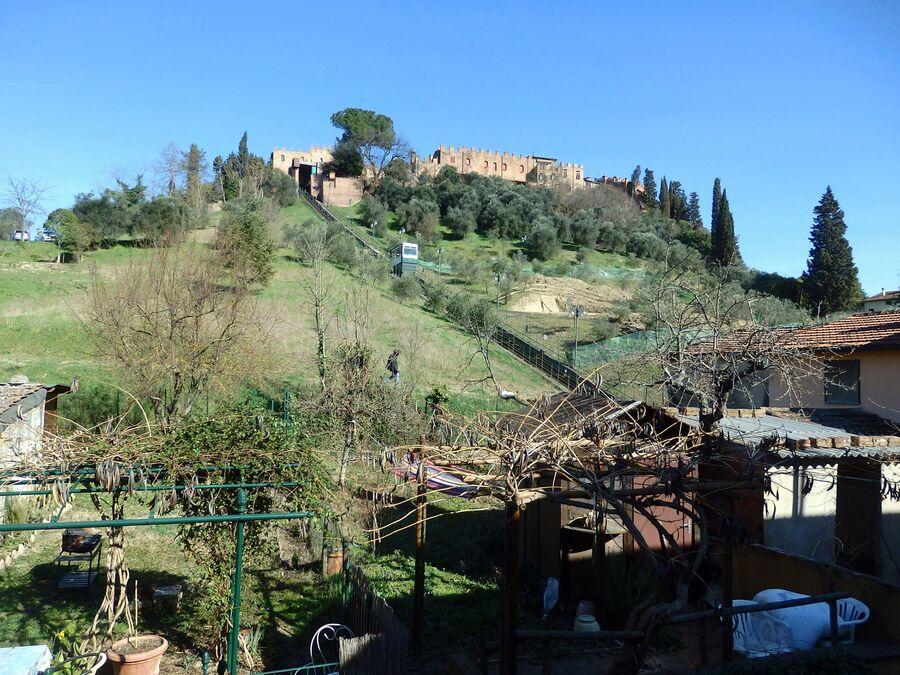 Тоскана. Чертальдо. Вид на Старый город