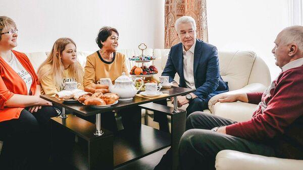 Мэр Москвы Сергей Собянин в гостях у переселенцев по программе реновации