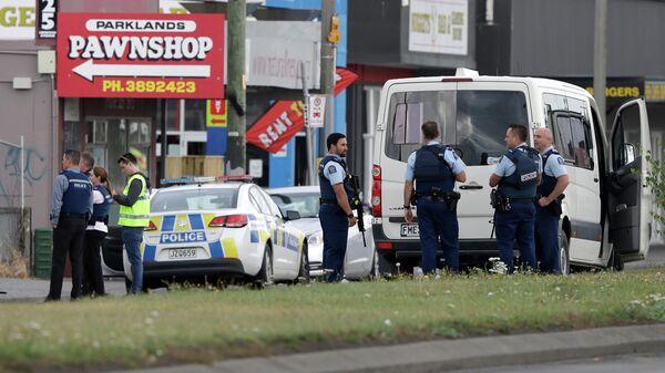 Полиция возле мечети в Линвуде, Крайстчерч, Новая Зеландия. 15 марта 2019