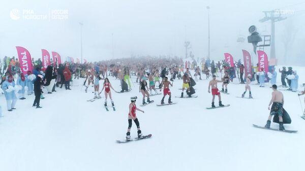 На лыжах и в купальнике: горный фестиваль BoogelWoogel в Сочи
