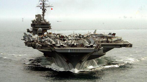 Американский авианосец USS Kitty Hawk