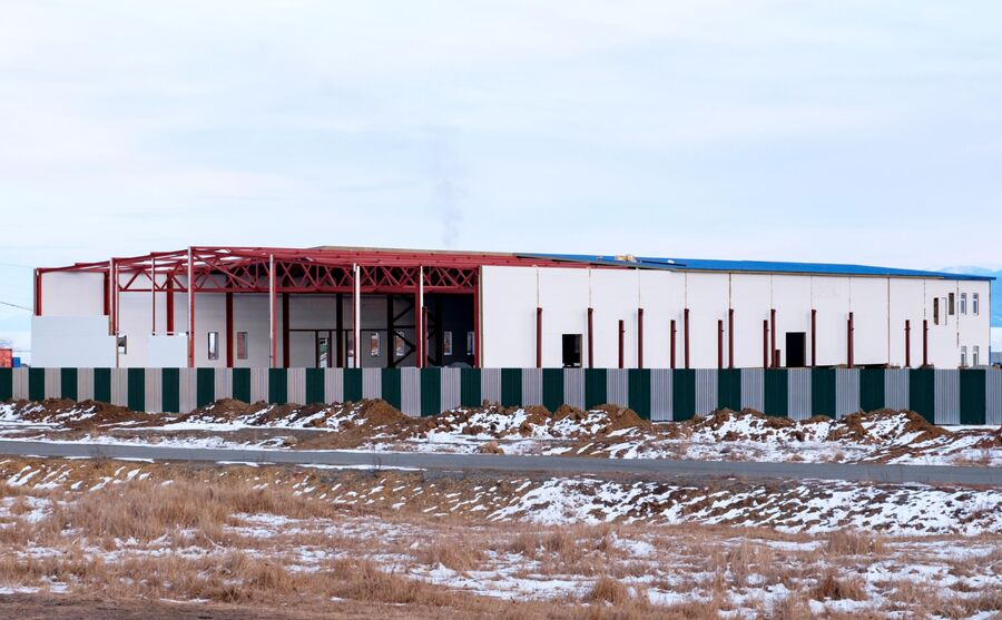 Завод по производству питьевой бутилированной воды ООО Аквасиб в поселке Култук