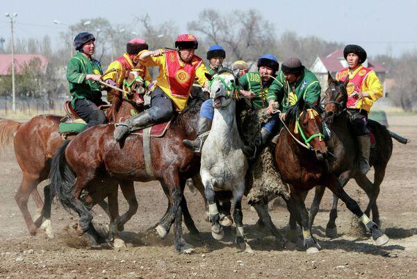 Соревнование Кок-бору в Бишкеке