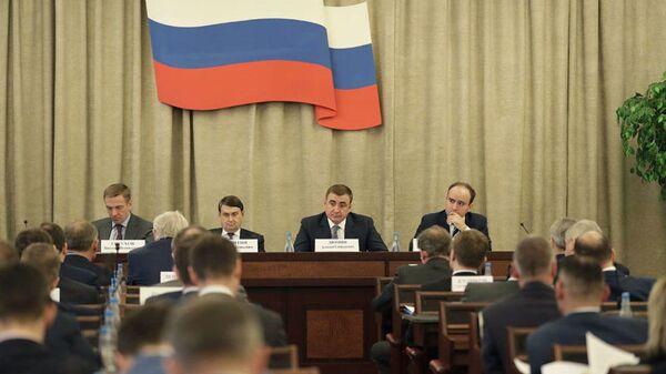 Алексей Дюмин провел первое заседание группы Госсовета по промышленности