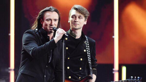 Группа Земляне во время церемонии вручения музыкальной премии BraVo в Москве