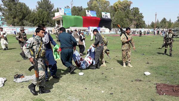 Эвакуация раненых с места взрыва в провинции Гильменд, Афганистан. 23 марта 2019