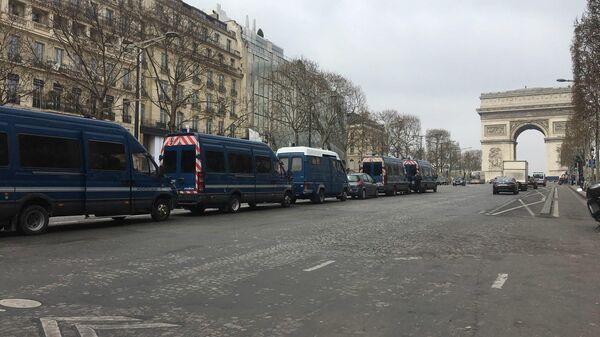 19-ый акт протестов желтых жилетов в Париже, Франция