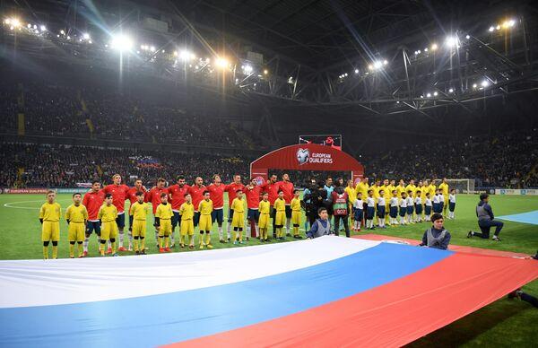 Футболисты сборных России и Казахстана