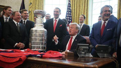 Дональд Трамп и игроки Вашингтона
