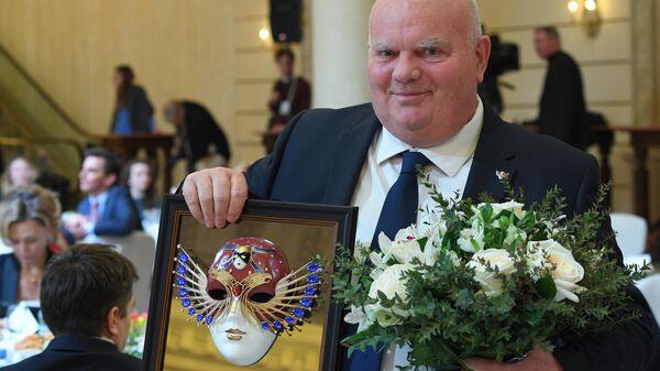 Британский режиссёр Деклан Доннеллан после церемонии награждения лауреатов российской национальной театральной премии Золотая маска-2019