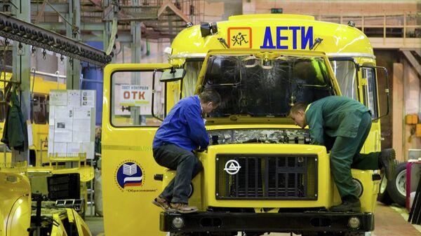Сборка автобусов для перевозки детей в рамках национального проекта Образование  ООО Курганский автобусный завод (КАВЗ), входящий в группу автомобилестроительных компаний ГАЗ