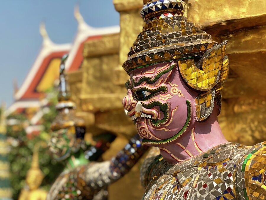 Статуя якши, Большой дворец, Бангкок, Таиланд