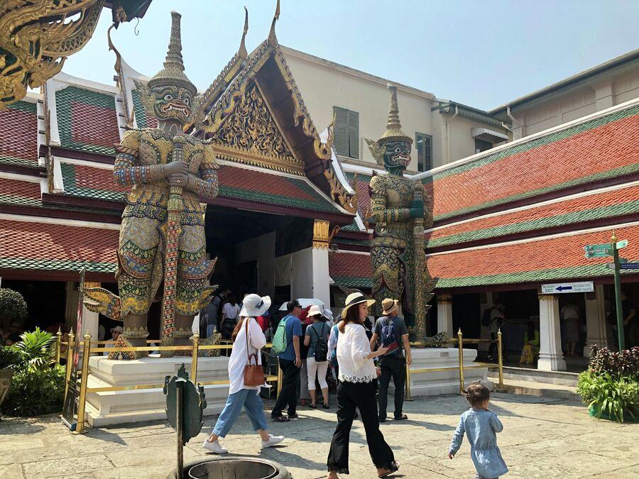 Выход из внутреннего двора, Большой дворец, Бангкок, Таиланд