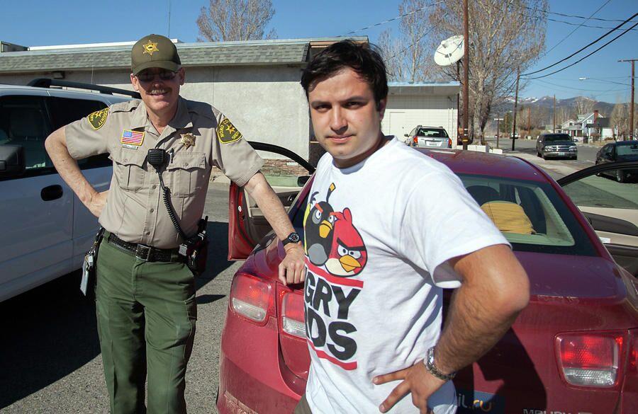 Александр Беленький и шериф округа Моно в Калифорнии