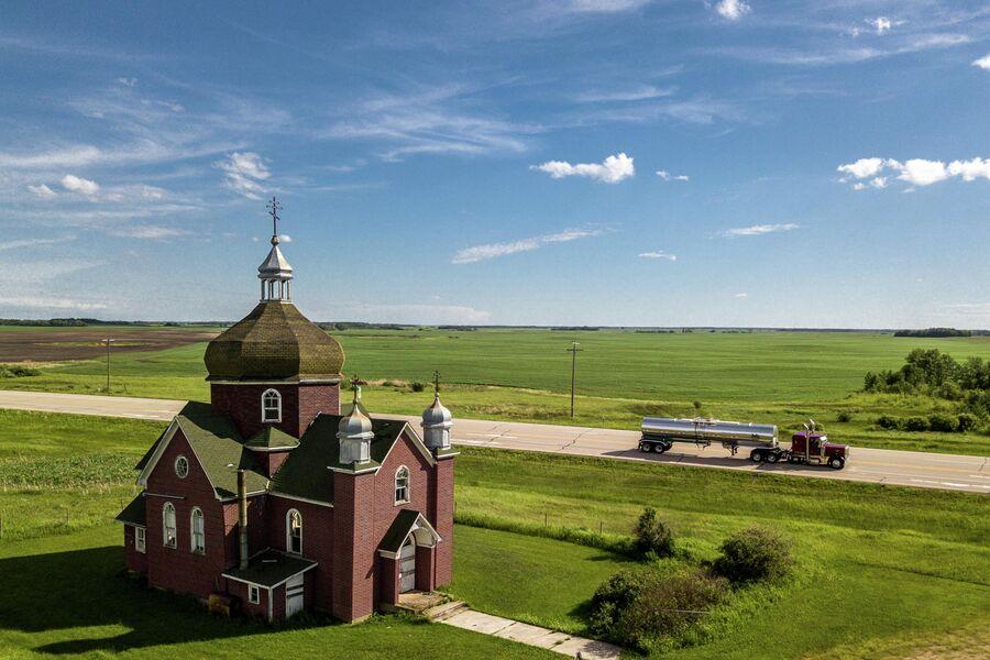 Канада, провинция Саскачеван. Прерии и украинская православная церковь