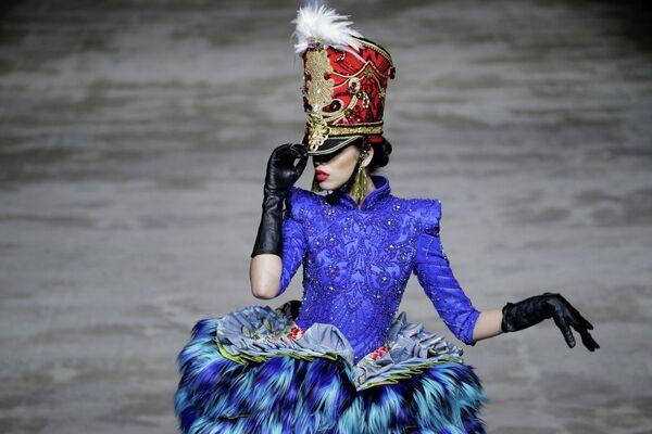 Модель на Неделе моды Китая в Пекине