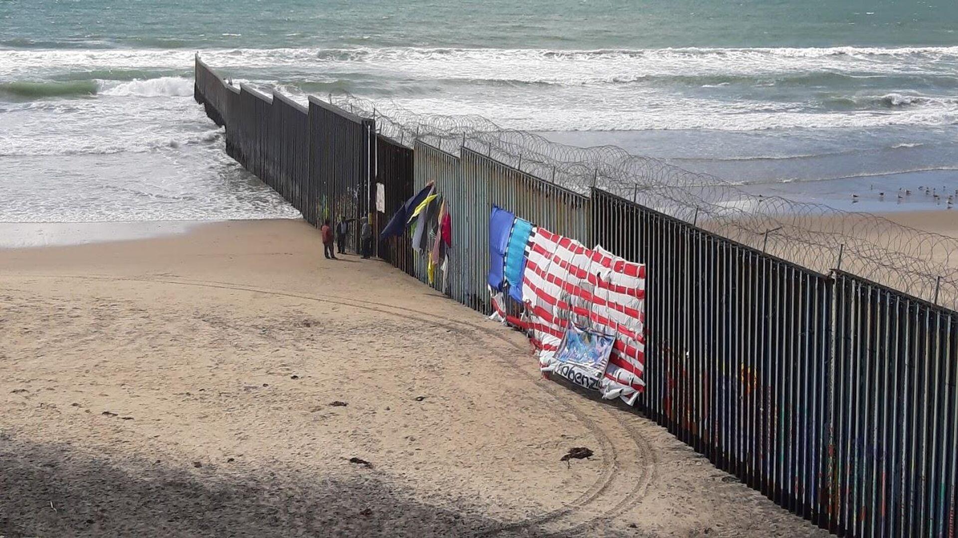 Трамп уверен, что Байден не сможет убрать стену на границе с Мексикой