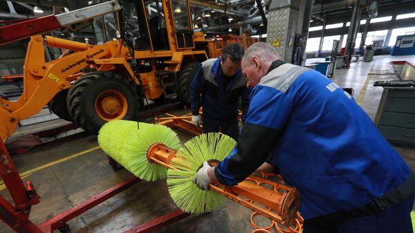 Подготовка летней спецтехники ГБУ Автомобильные дороги