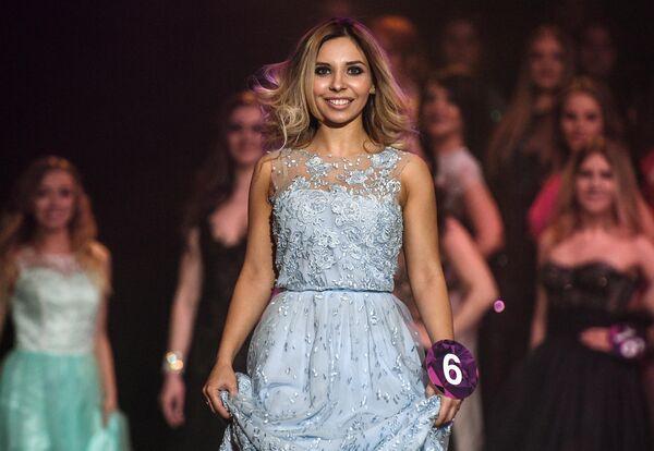 Мария Мисник во время выступления в финале конкурса красоты Miss International Mini 2019