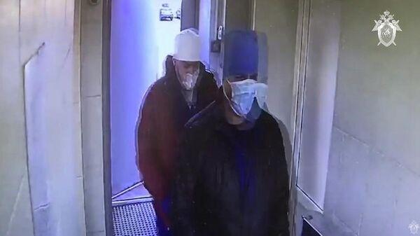 Мужчины, подозреваемые в разбойном нападении на сотрудников больницы в Курортном районе Санкт-Петербурга