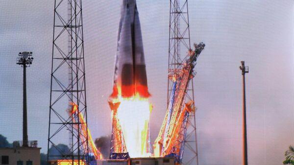 Прямая трансляция старта российской ракеты Союз-СТ-Б с четырьмя спутниками O3b, запущенной из Гвианского космического центра в Куру