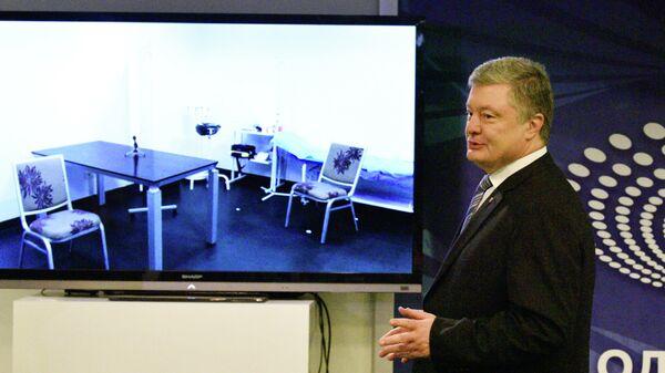 Кандидат в президенты Украины Петр Порошенко после сдачи анализа на алкоголь и наркотики в медпункте стадиона Олимпийский