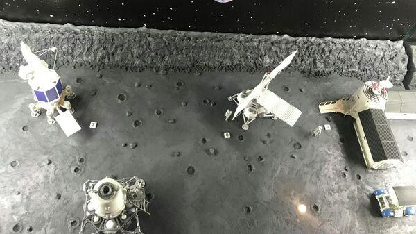 Экспозиция Макет лунной базы в Московском планетарии