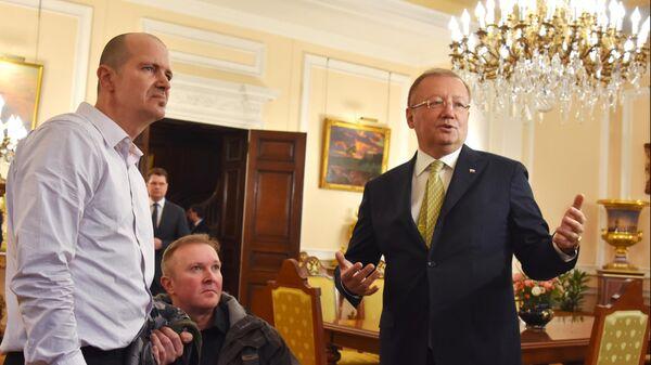 Отравленный в Эймсбери британец встретился с российским послом и попросил о встрече с Путиным