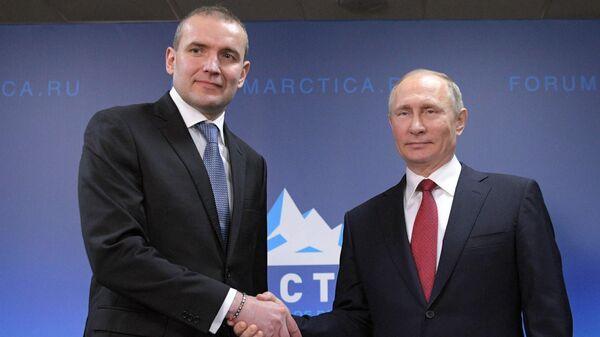 Президент РФ Владимир Путин и президент Исландии Гудни Йоханнессон. Архивное фото