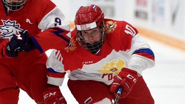 Хоккеист Ярослав Лихачев (справа)