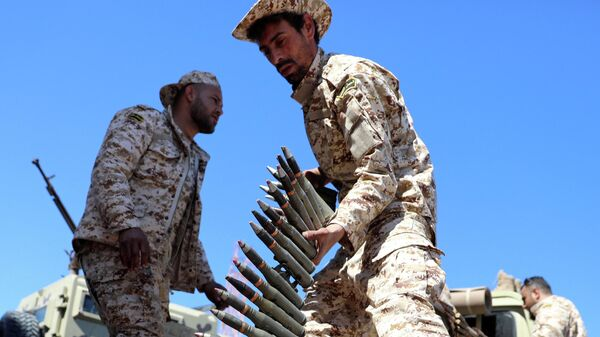 Проправительственные военные в аэропорту Триполи, Ливия. 8 апреля 2019