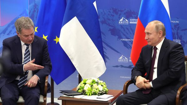 Президент РФ Владимир Путин и президент Финляндии Саули Ниинистё во время встречи на полях V Международного арктического форума Арктика – территория диалога. 9 апреля 2019