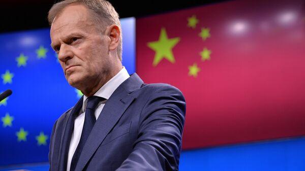 Председатель Европейского совета Дональд Туск во время заявления для прессы по итогам саммита ЕС-КНР в Брюсселе