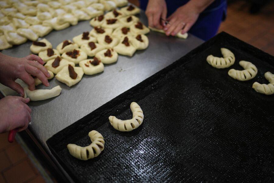 Выпечка хлебо-булочных изделий в аполлоновской пекарне