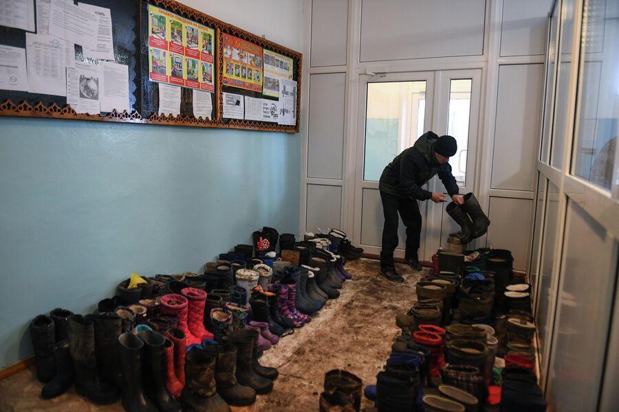 В школе в деревне Аполлоновка